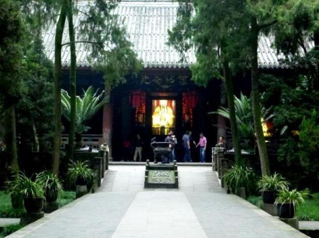 Potret Kelenteng Paling Cantik di Chengdu