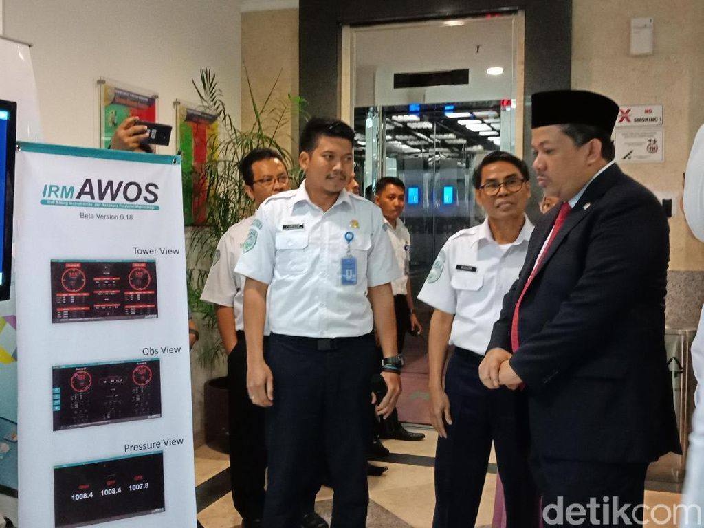 Fahri Hamzah Sambangi Kantor BMKG Bahas Mitigasi Bencana di Indonesia