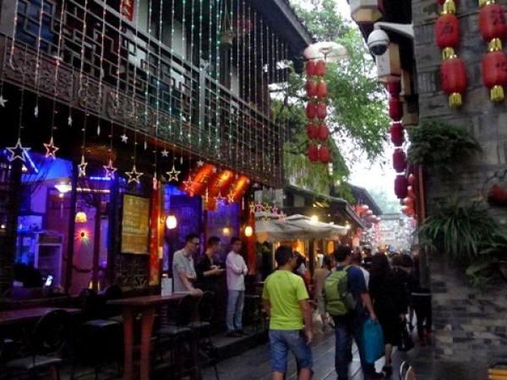 Foto Tempat Asyik Belanja Suvenir di Chengdu