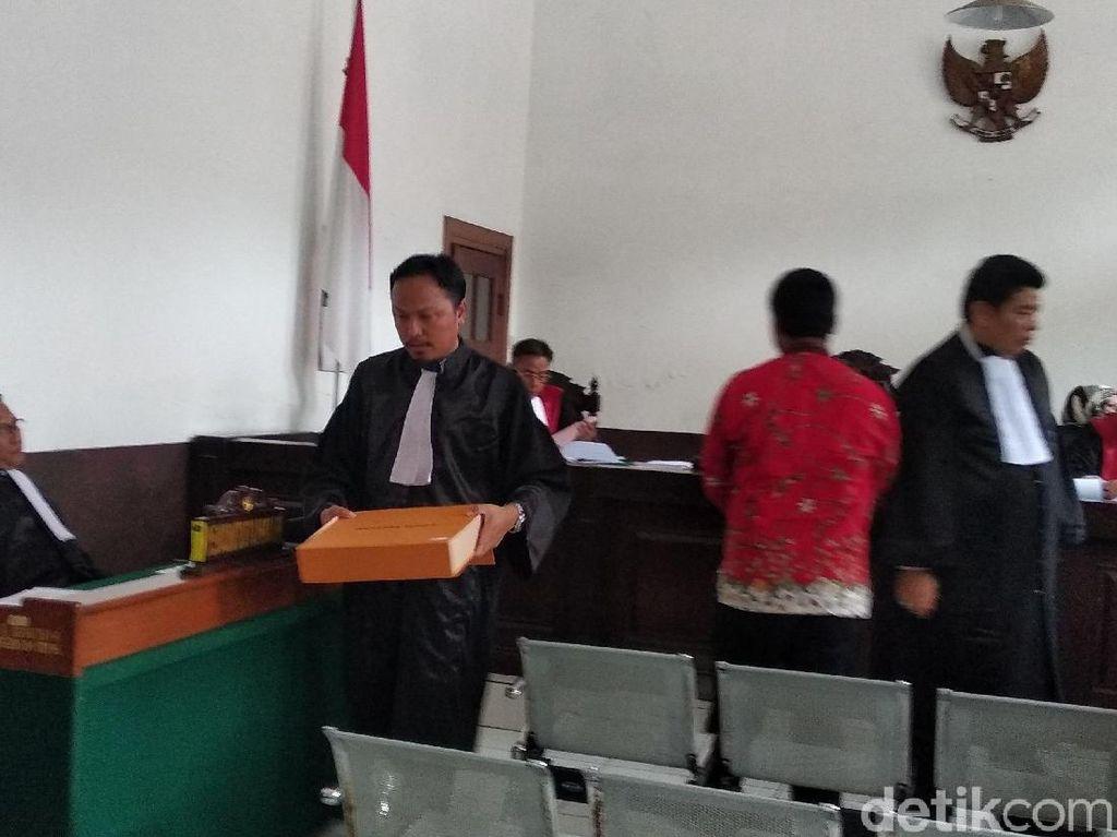 Jaksa Tunjukkan Tas Mewah dari Eks Kalapas Sukamiskin untuk Dirjen PAS