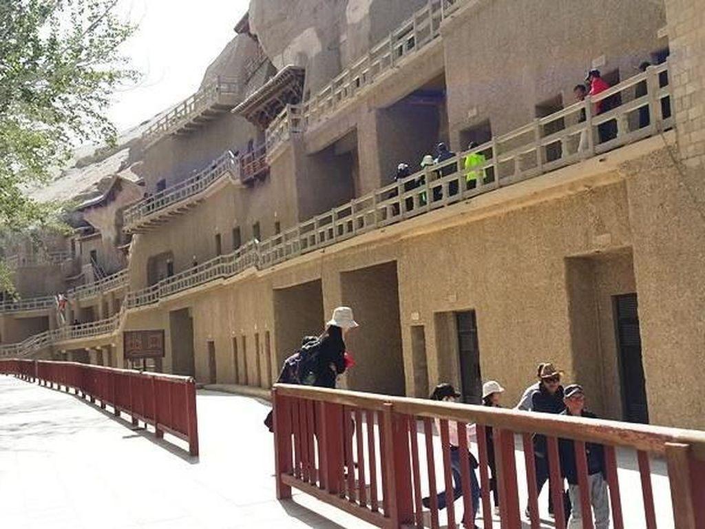 Gua Ribuan Buddha di China yang Jadi Pusat Pertemuan Jalur Sutera