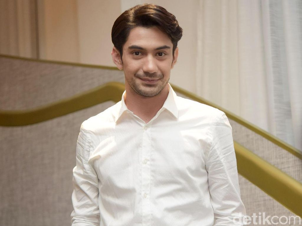 Trik Reza Rahadian Jadi Juri di Ajang Perfilman