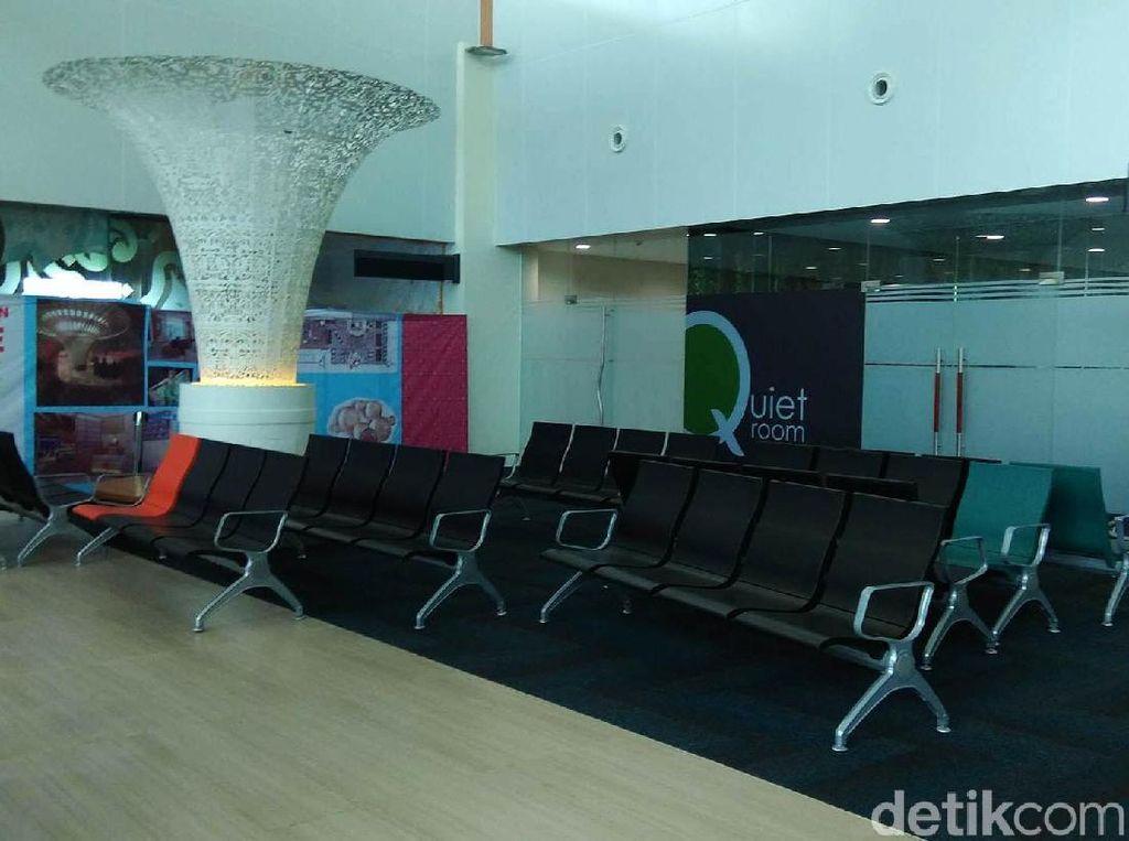 Potret Sepinya Bandara Kertajati yang Diresmikan Jokowi Tahun Lalu