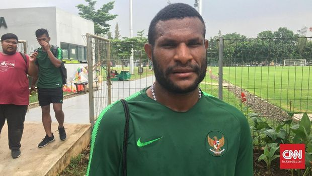 Marinus Wanewar tak takut bersaing dengan Ezra Walian di Timnas Indonesia U-22. (