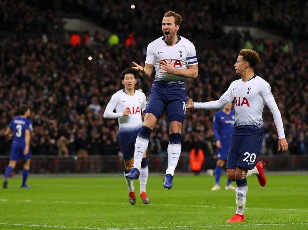 Penalti Kane Tumbangkan Chelsea