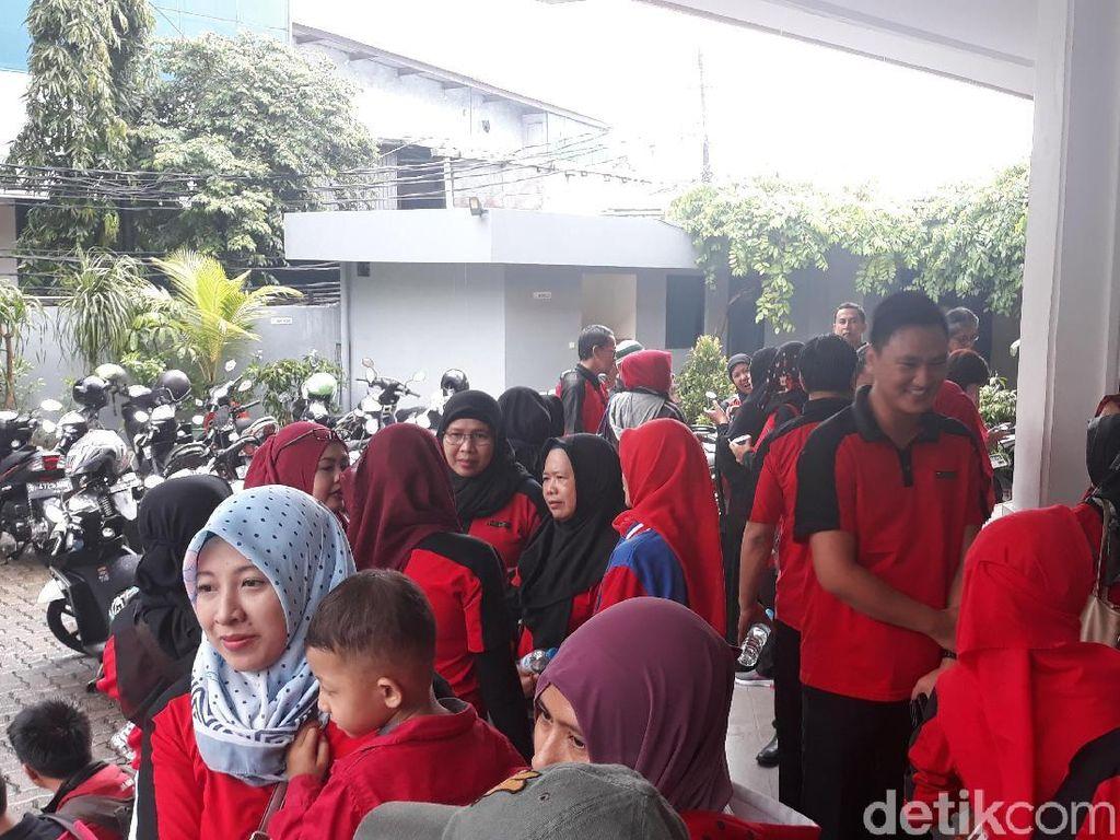 Demo Terakhir Tuntut Pesangon, Eks Pegawai Sevel Tempuh Jalur Hukum