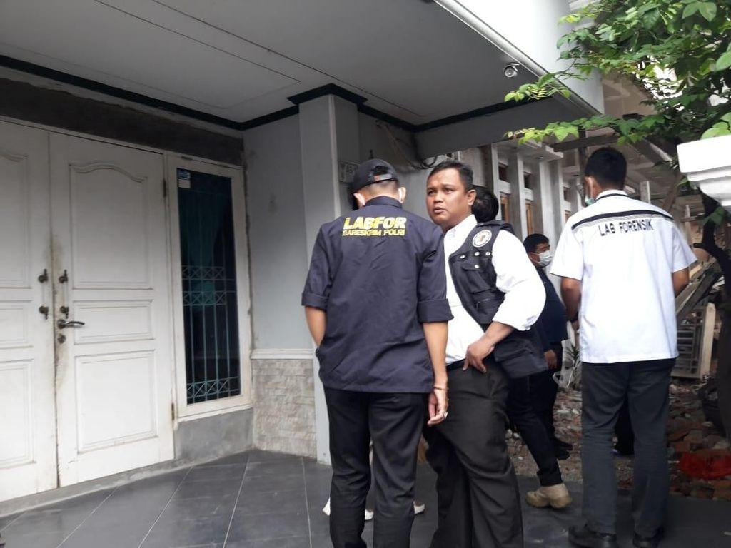 Benda Diduga Bom Rakitan di Rumah Ketua KPK Disangkutkan di Pagar
