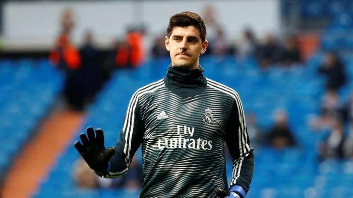 Thibaut Courtois dan Keylor Navas akan bersaing menjadi kiper utama Real Madrid musim depan. (Foto: Juan Medina/Reuters)