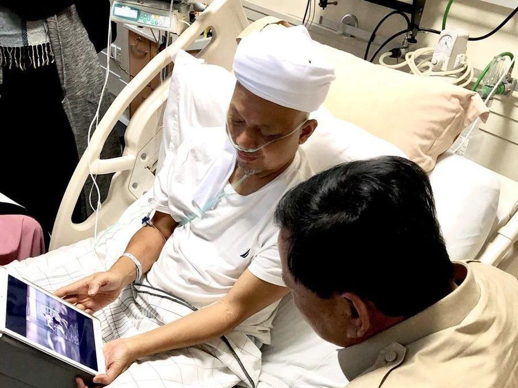 Momen Ustaz Arifin Ilham Tunjukkan Video Berkuda ke Prabowo