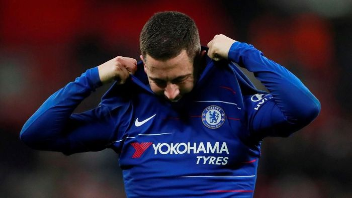 Gelandang Belgia Eden Hazard lebih memilih warna biru Chelsea ketimbang putih-putih Real Madrid. (Foto: Andrew Couldridge/Action Images via Reuters)