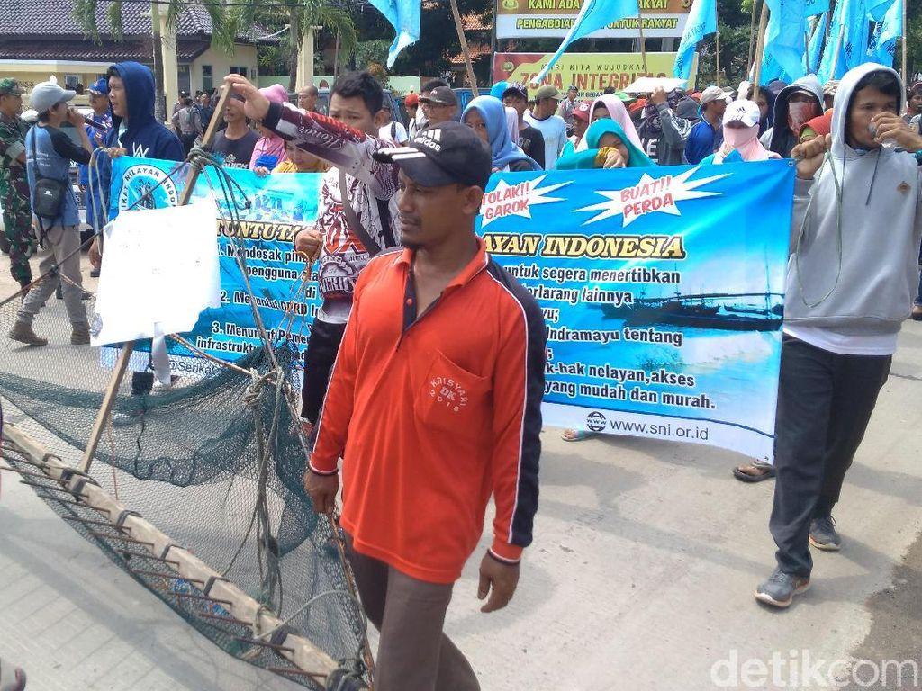Nelayan Indramayu Desak Pemerintah Berantas Jaring Garok
