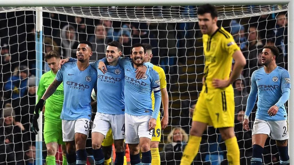 Video Manchester City Obok-obok Gawang Burton