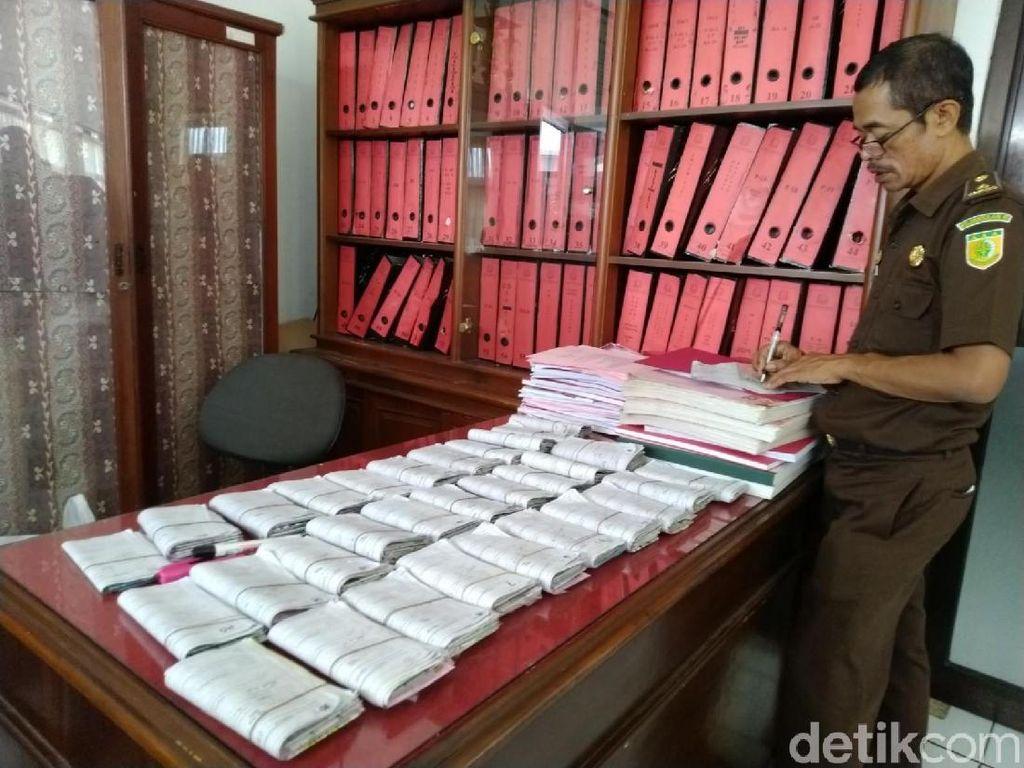 Berkas Surat Tilang dan SIM yang Menumpuk Tidak Bisa Dimusnahkan