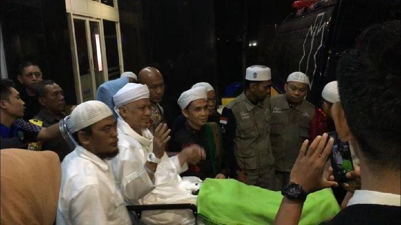 Tinggalkan RSCM, Arifin Ilham Diterbangkan ke Penang Malaysia