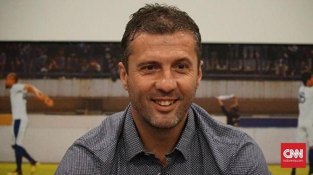Miljan Radovic dipercaya sebagai pelatih kepala Persib Bandung.