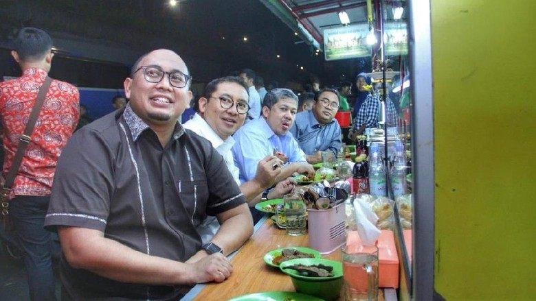 BPN Prabowo Jawab Survei Charta Politika dengan Senyuman