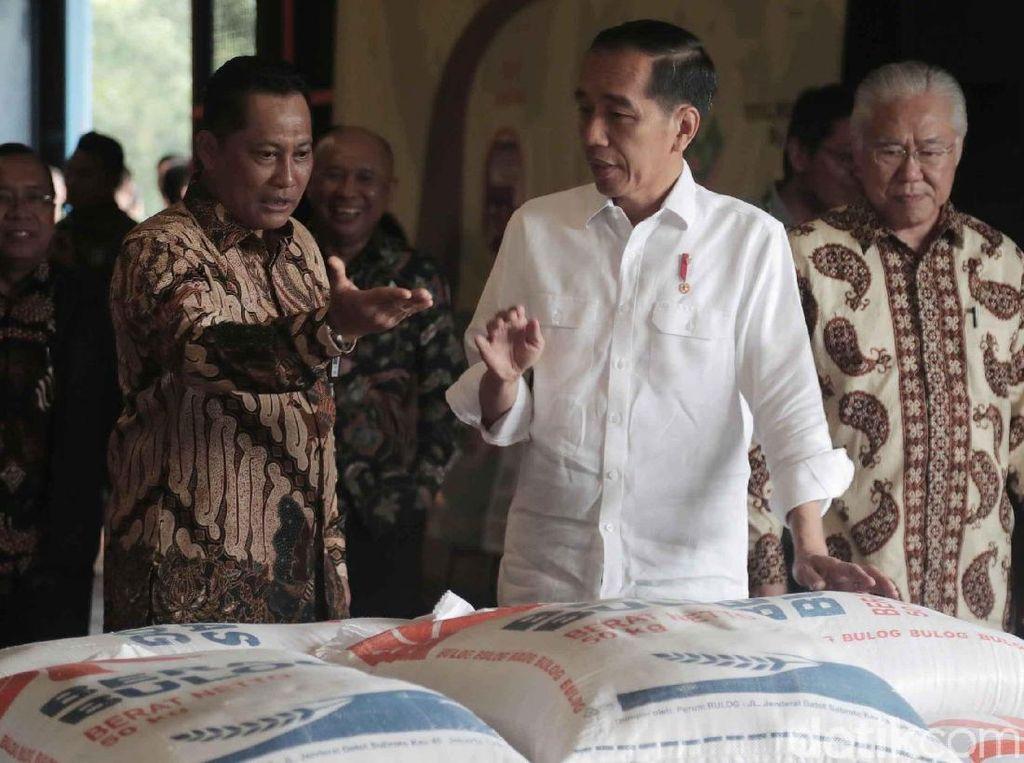 Cek Gudang Bulog, Jokowi: Harga Beras Mulai Turun