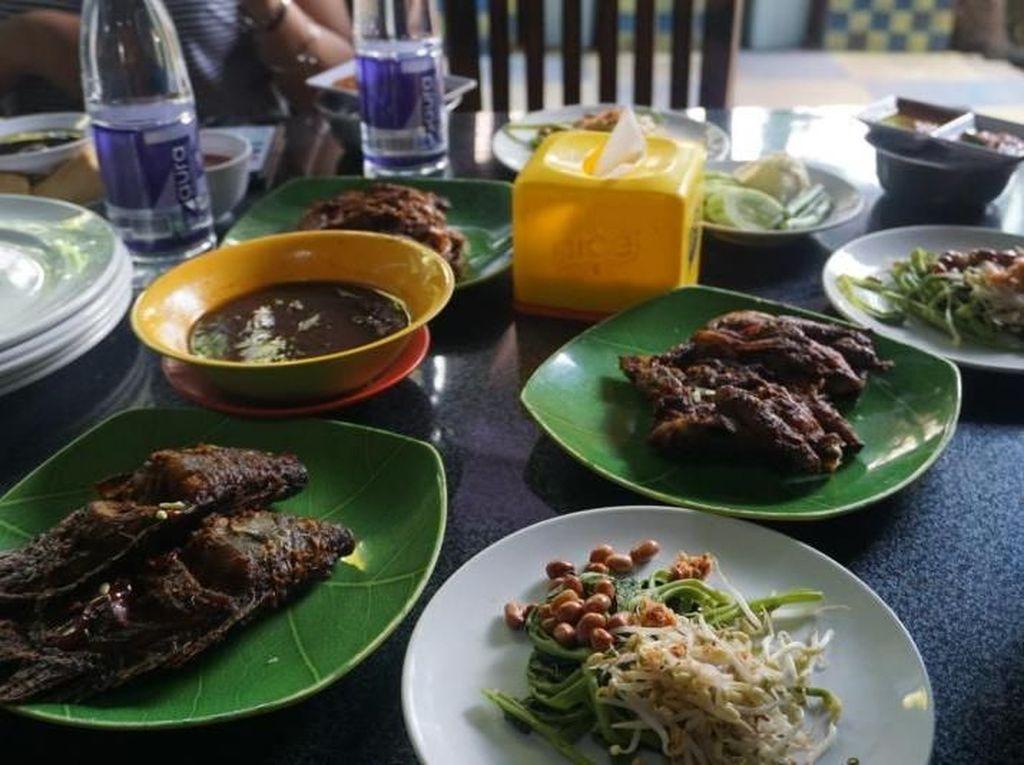 Wisata Kuliner Ayam Taliwang Lombok, Mantap!