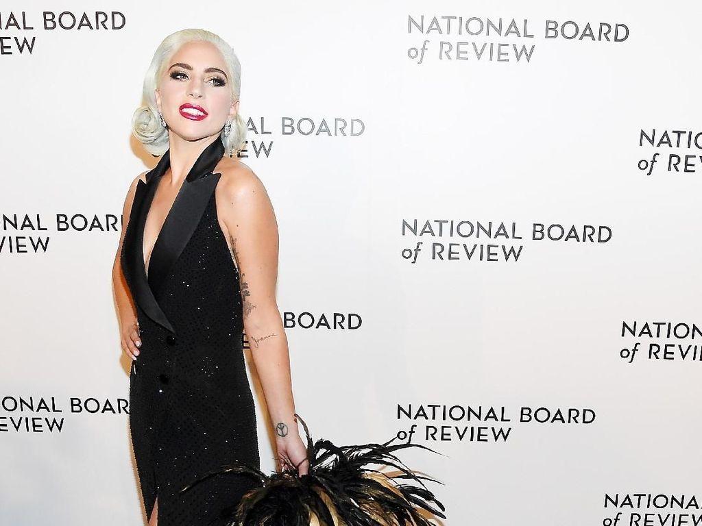 Jadi Makeup Artist Lady Gaga 10 Tahun, Ini Cerita Sarah Tanno