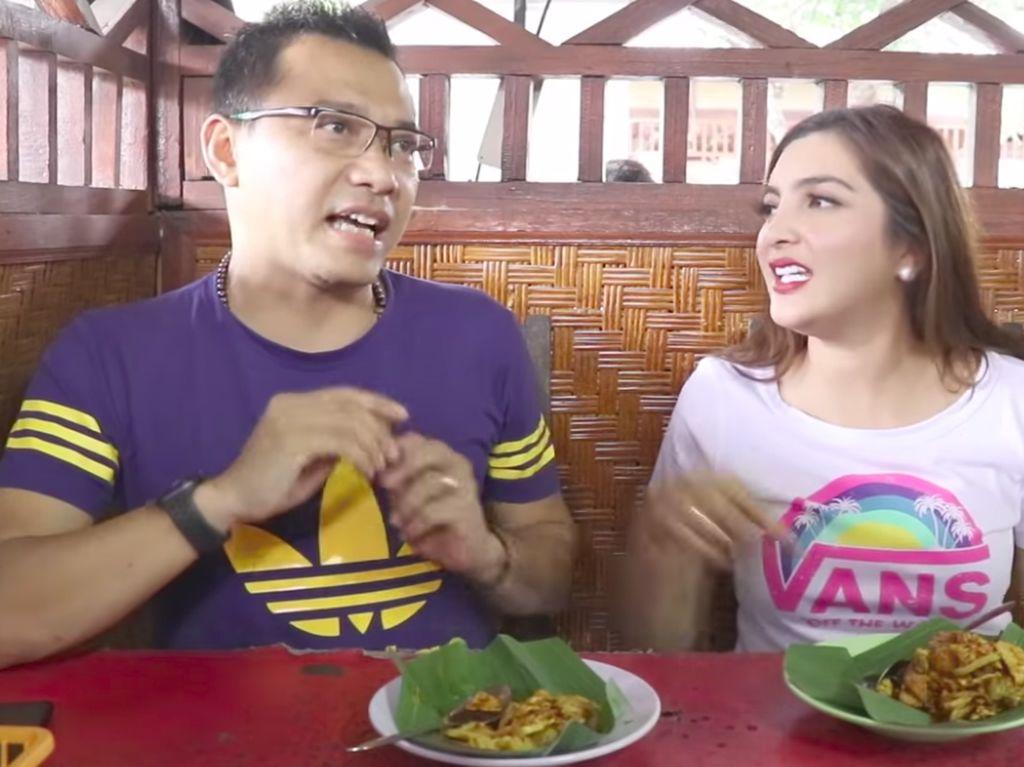 Anang dan Ashanty Cicip Rujak Pindang dan Rujak Gula Kacang Khas Bali