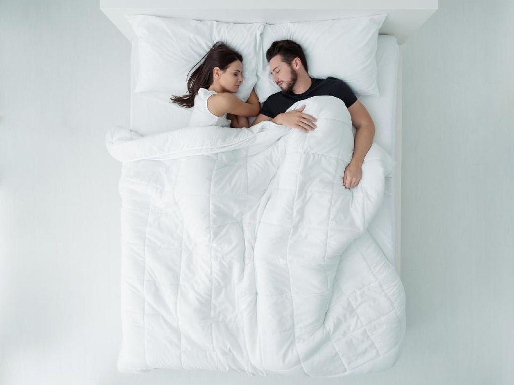 Dilakukan Sebelum Tidur, 10 Hal Simpel Ini Bikin Pasangan Lebih Bahagia