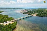 Sri Mulyani Resmikan Jembatan Penghubung 2 Pulau di Maluku