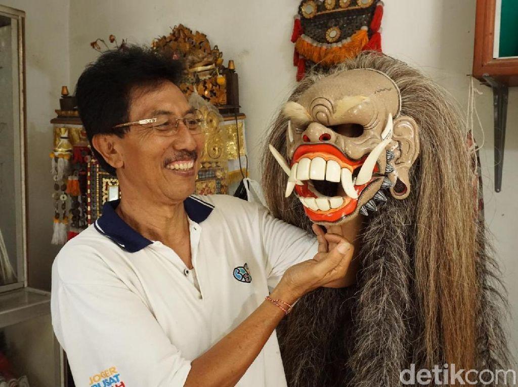 Mau Coba Kegiatan yang Baru di Bali, Ayo Lihat Pembuatan Barong!
