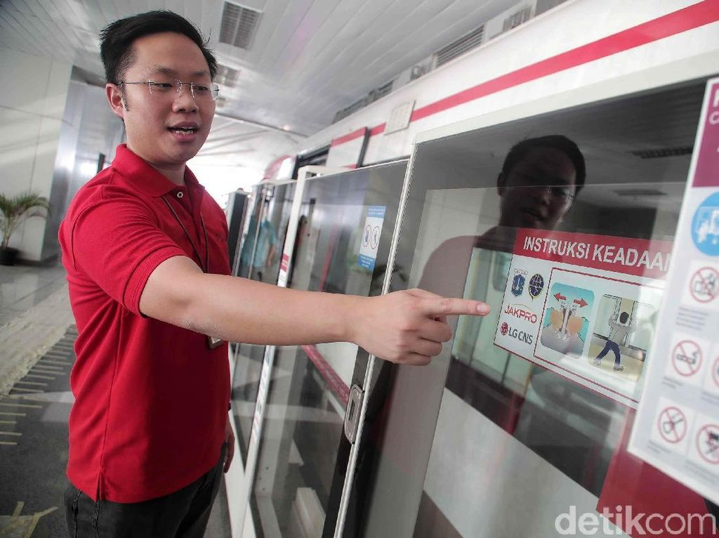 Skybridge Dibangun, Penumpang LRT Jakarta Nyambung TransJakarta