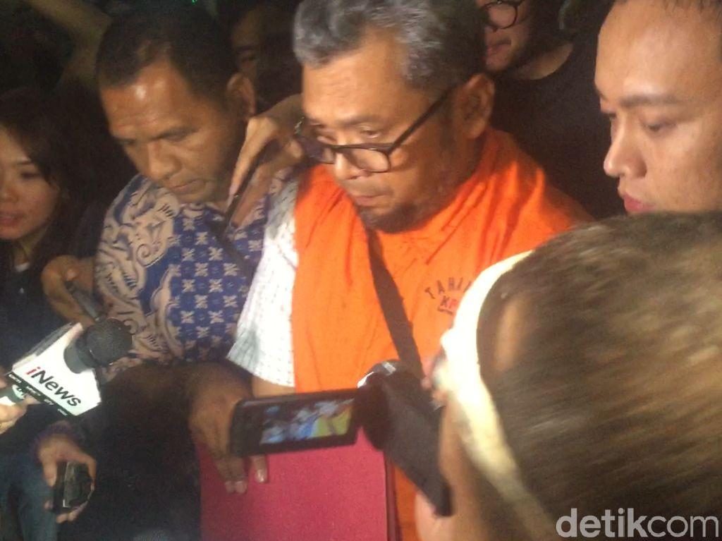 KPK Tahan 2 Eks Anggota DPRD Sumut Tersangka Suap