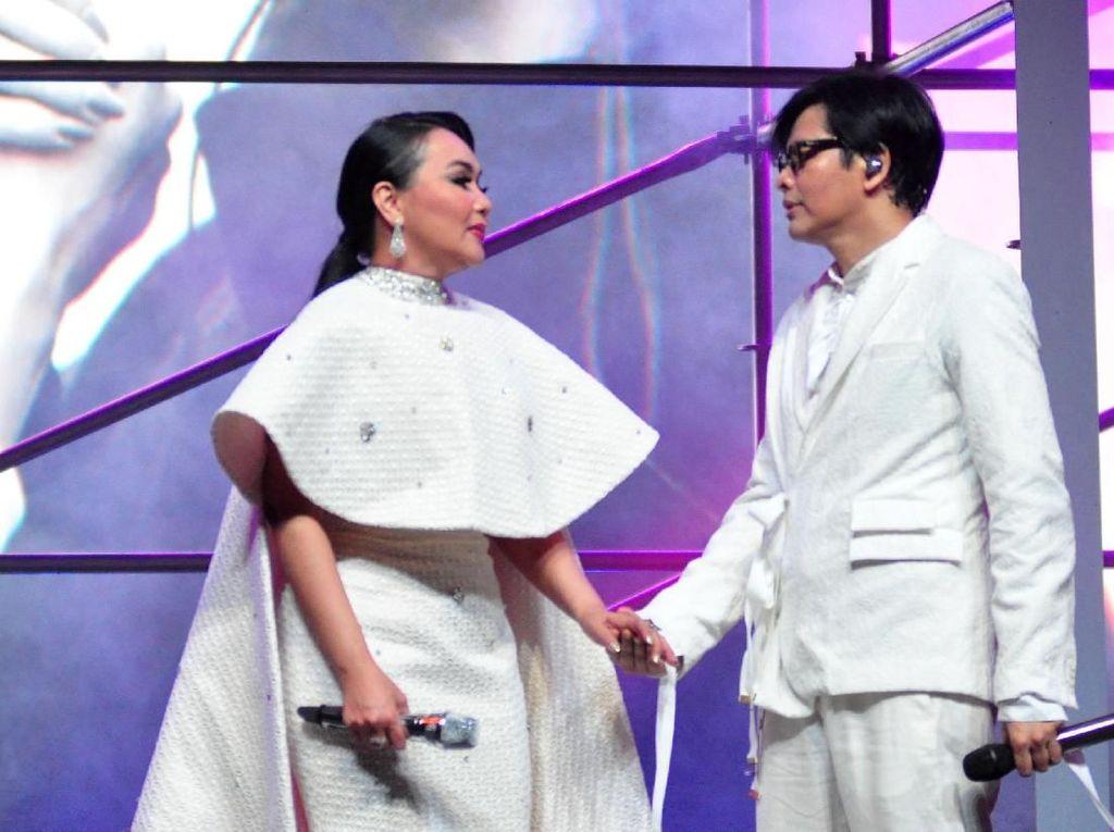 Ada Nuansa Etnik di Konser Armand Maulana dan Dewi Gita