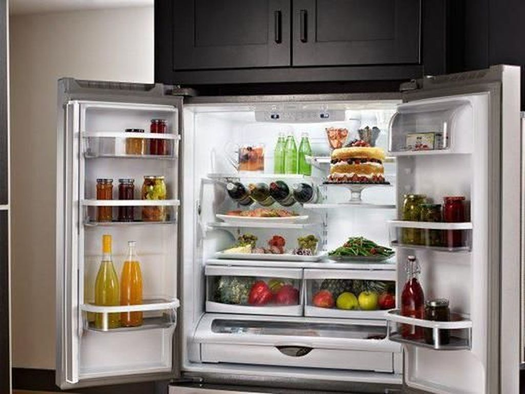 5 Makanan Ini Tidak Bisa Disimpan di Kulkas Meski Ingin Dijadikan Stok