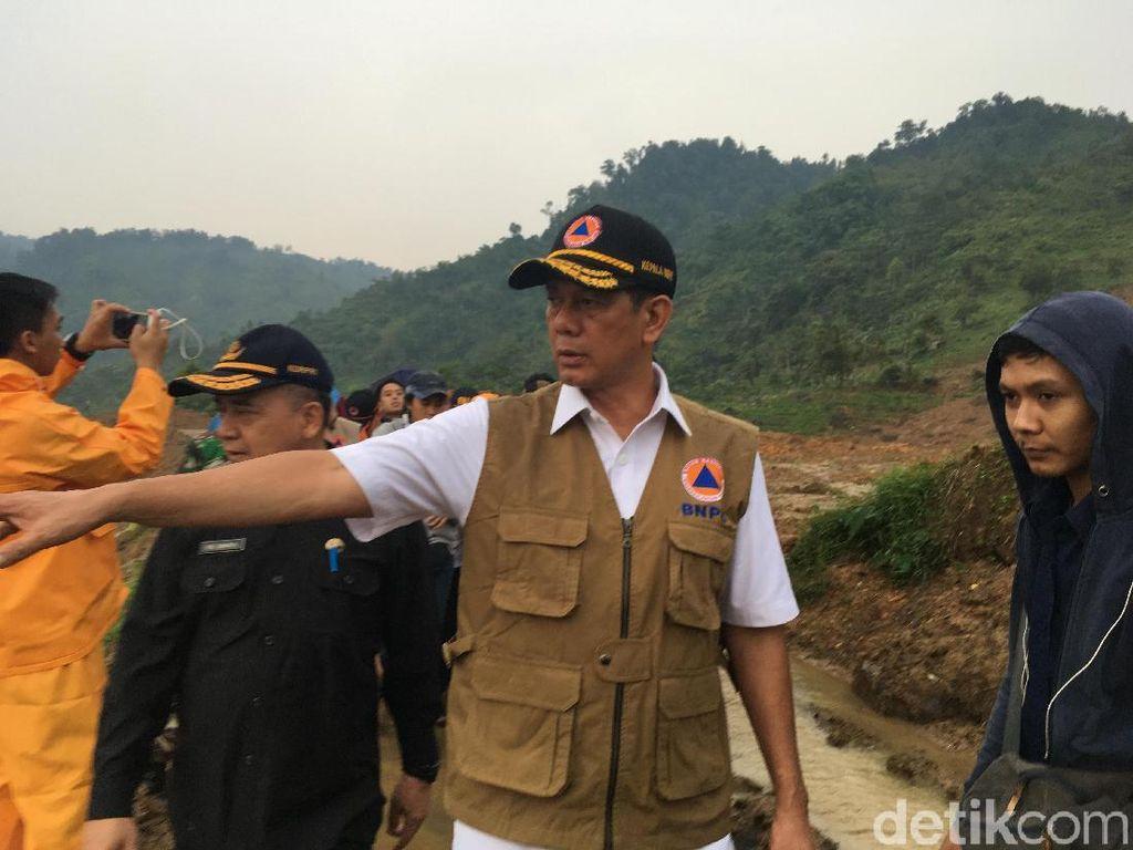 Kepala BNPB Letjen Doni Kunjungi Lokasi Longsor Sukabumi