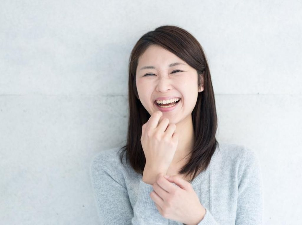 Benarkah Tertawa Bisa Bantu Tubuh Terhindar Serangan Flu?