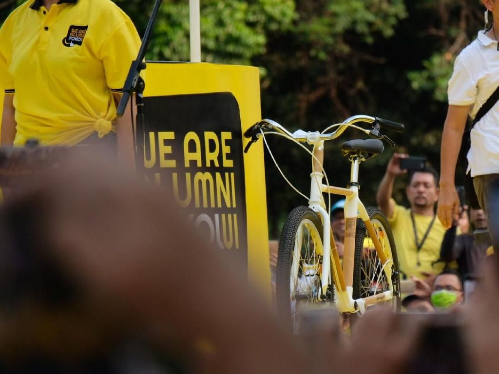 Gara-Gara Dipakai Jokowi, Sepeda Bambu Mulai Bikin Penasaran