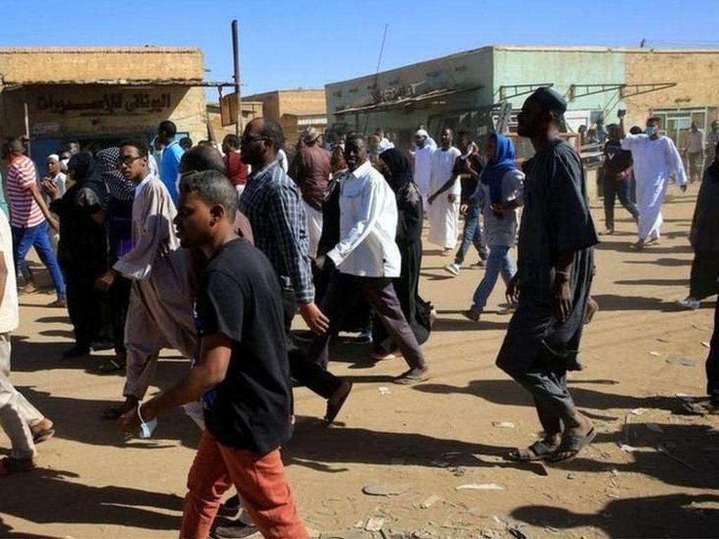 Sudan Bergolak, Imam Masjid Dilarikan dari Amuk Massa Antipemerintah