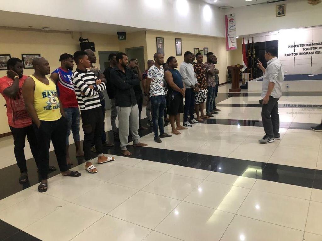 Langgar Izin Tinggal, 44 Warga Afrika di Jakpus Diamankan