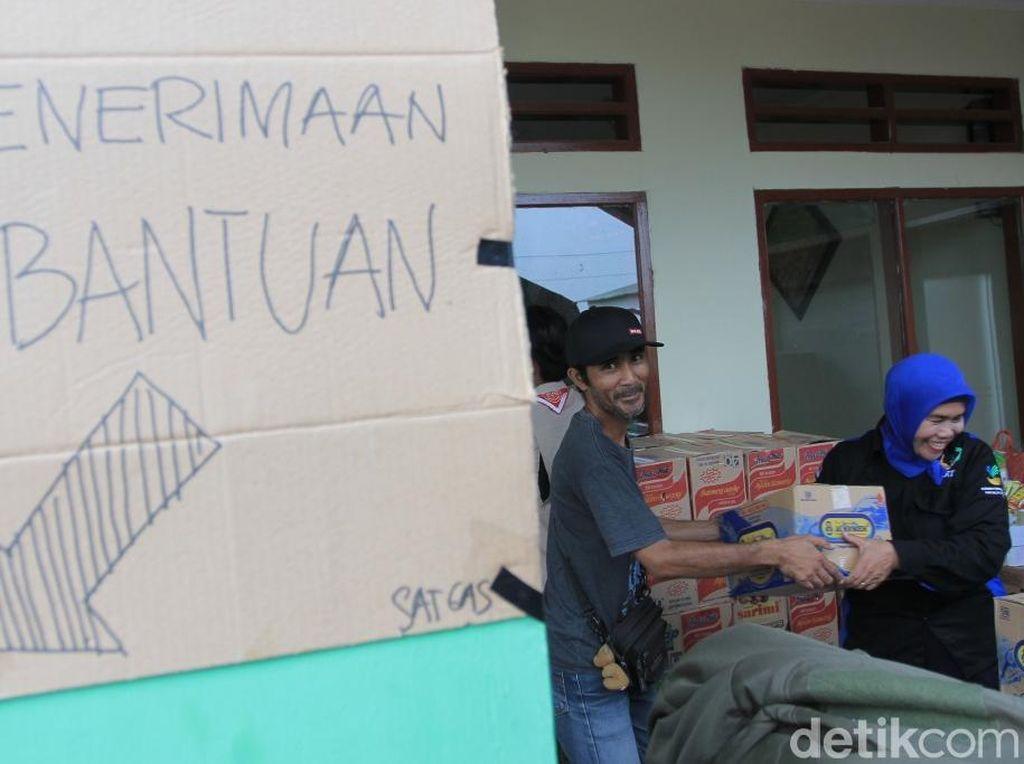 Bantuan untuk Korban Puting Beliung di Rancaekek Terus Mengalir