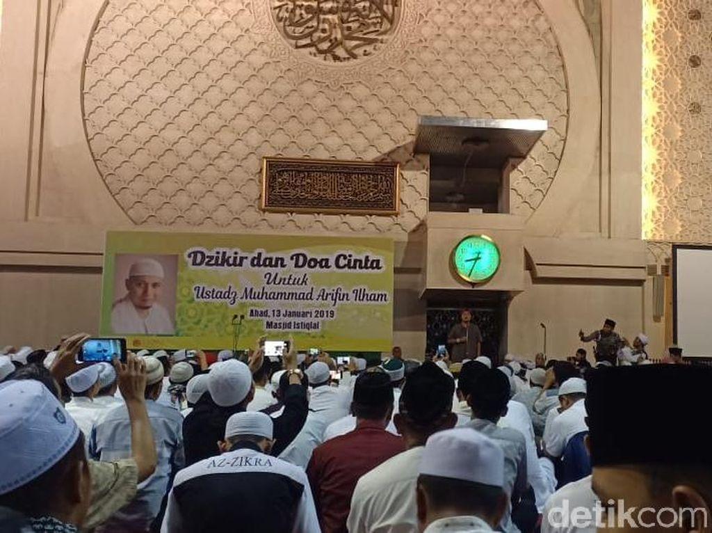 Putra Arifin Ilham Ikut Doa Bersama di Istiqlal untuk Kesembuhan Ayah