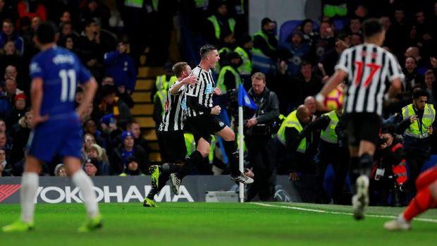 Newcastle sempat memberikan perlawanan sengit.
