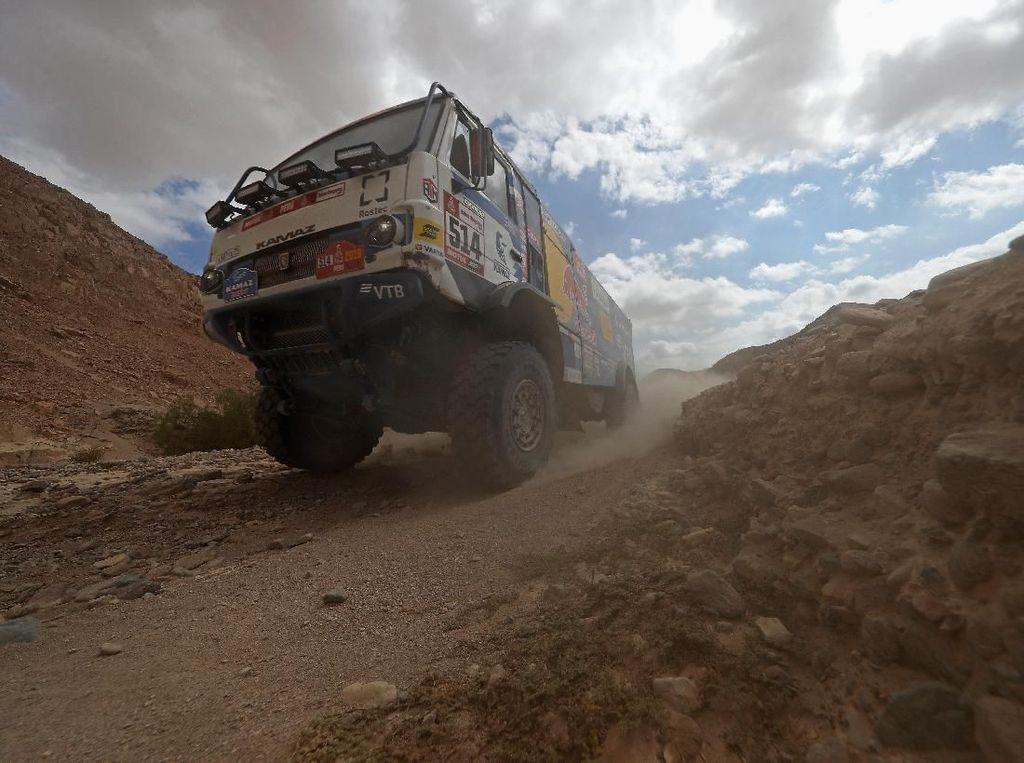 Momen Mengerikan, Penonton Reli Dakar Terlindas Truk