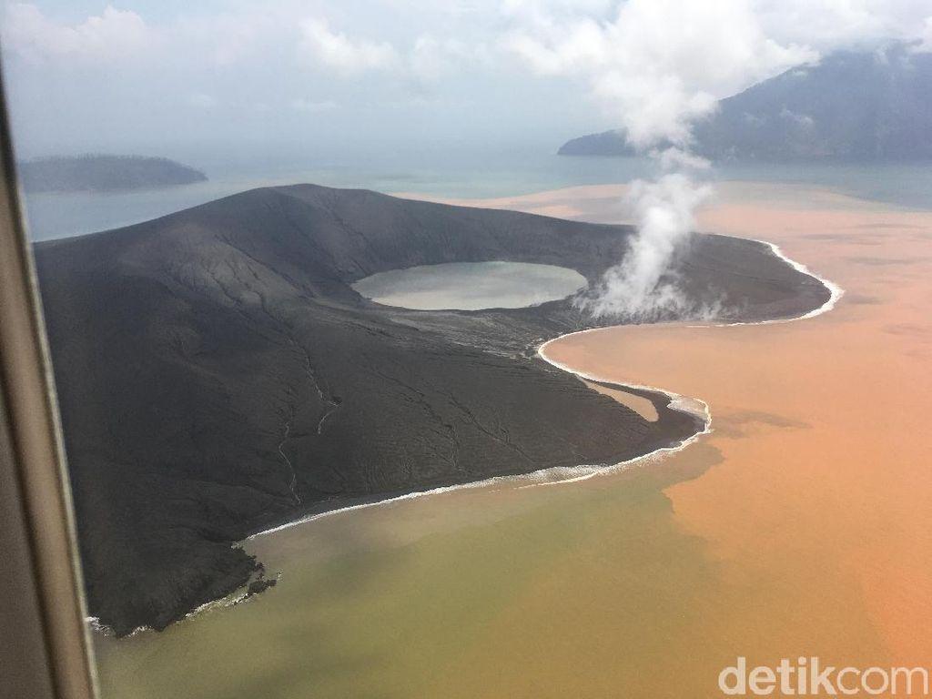 Penampakan Terkini Gunung Anak Krakatau yang Tak Diselimuti Asap Tebal