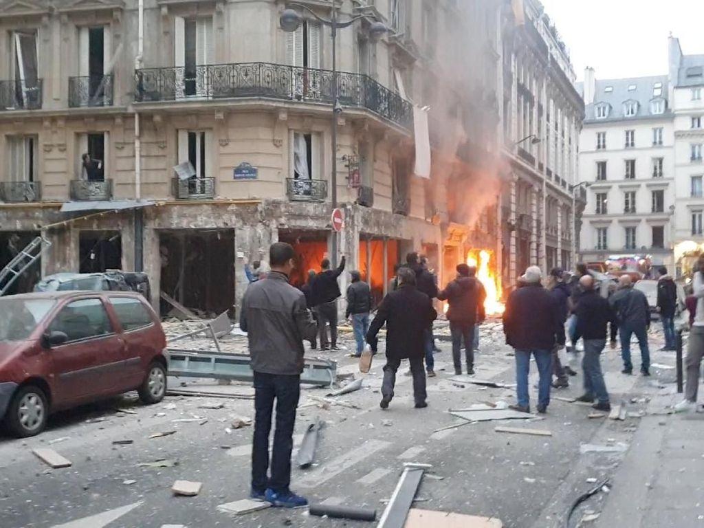 Video Suasana Lokasi Ledakan Gas di Paris