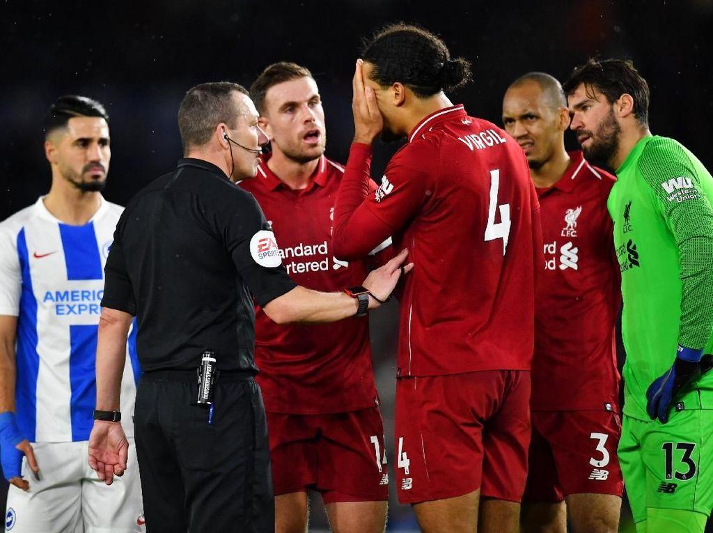 Manajer Brighton Sebut Liverpool Diuntungkan Wasit