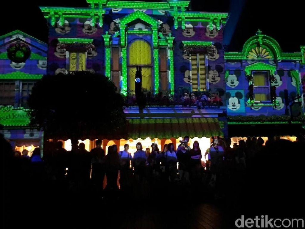We Love Mickey! Perayaan Ulang Tahun Meriah di Disneyland