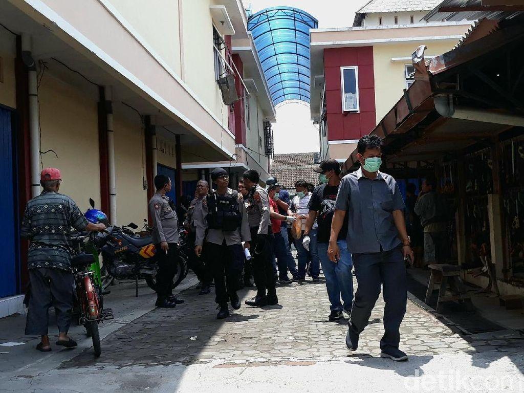 Polisi Gelar Olah TKP Bentrokan dengan Pelaku Sweeping di Solo
