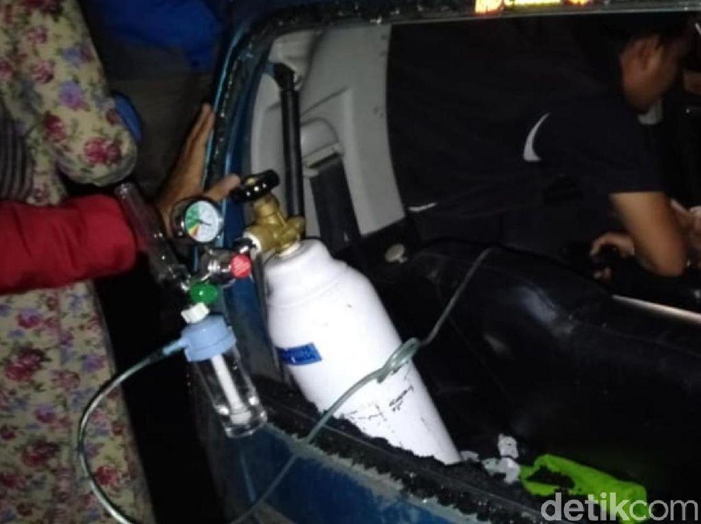 Terjepit 6 Jam Sopir City Car Berhasil Dievakuasi, Kondisinya Selamat