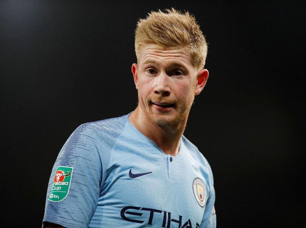 Lambang Manchester City dan Chelsea Pernah Tersemat di Dada Mereka