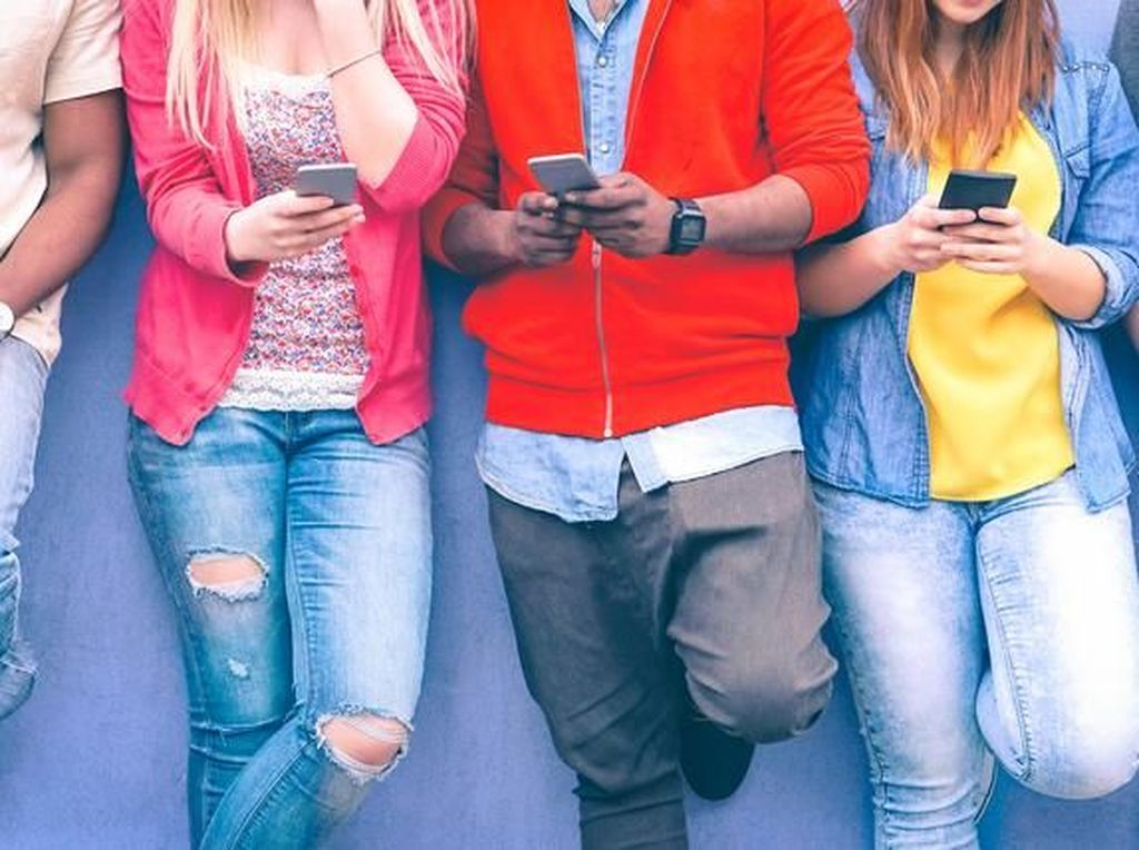 5 Tanda Kecanduan Medsos, Salah Satunya Ikut Panik Saat IG dan FB Tumbang
