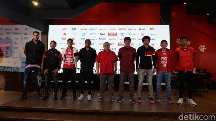 Bali United perkenalkan Stefano Cugurra Teco (tengah) sebaga pelatih barunya (Aditya Mardiastuti/detikSport)