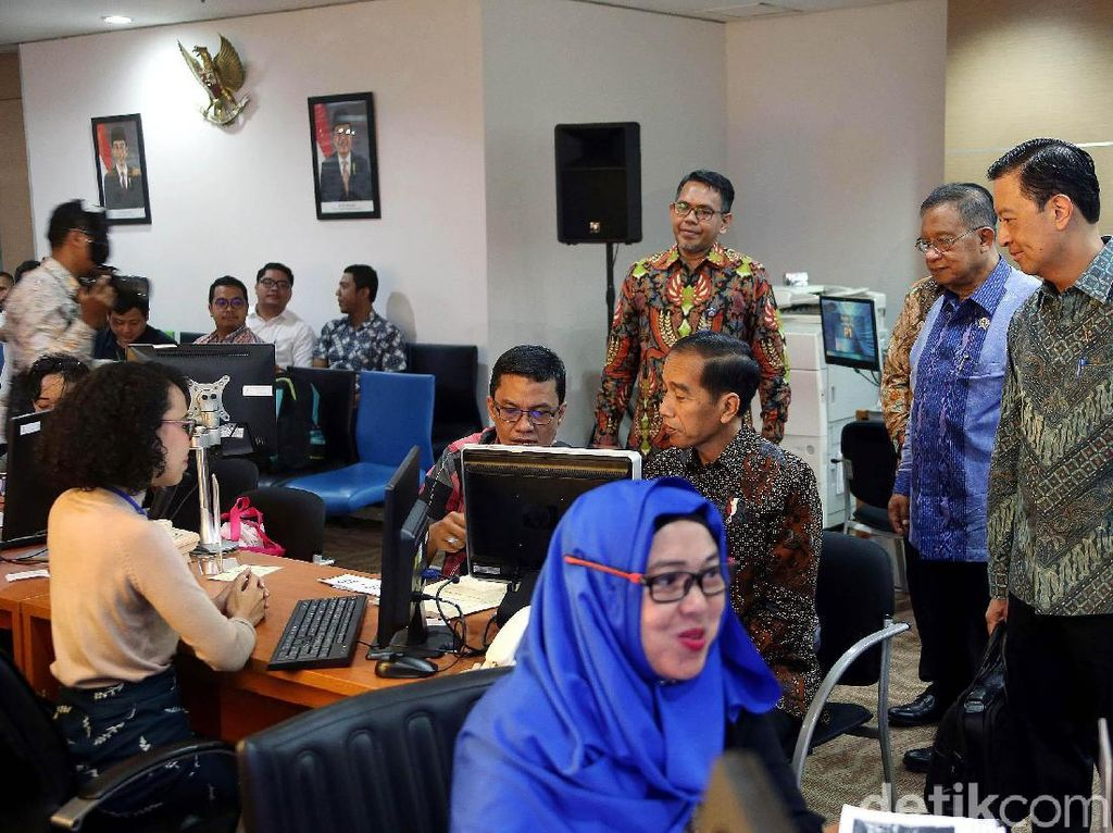 Dalam Sebulan, Jokowi Mau Babat 72 Aturan Penghambat Investasi